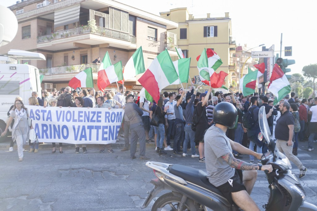 fiaccolata-anti-rom-battistini